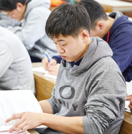 3年 S・Iさん/大阪府 英真学園高等学校出身